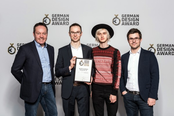 german-design-award-2018-winner-halbe-rahmen