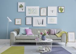 Wandhängung Bilderrahmen über Sofa