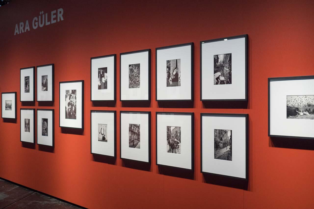 Bilderrahmen von HALBE in Leica-Ausstellung auf Photokina 2016