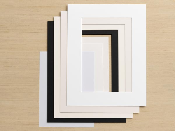 Passepartout Farben in schwarz weiss und grau