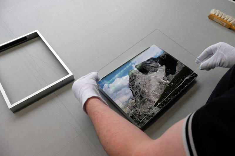 Inserting glass - picture inserted flat in Classic frame