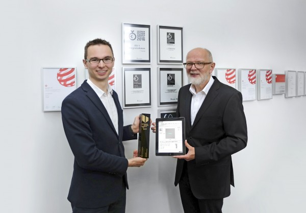 Halbe-Rahmen-gewinnt-German-Brand-Award-2017