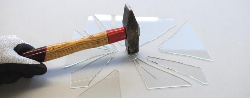 Glasbruch und Bruchfestigkeit bei Bilderglas