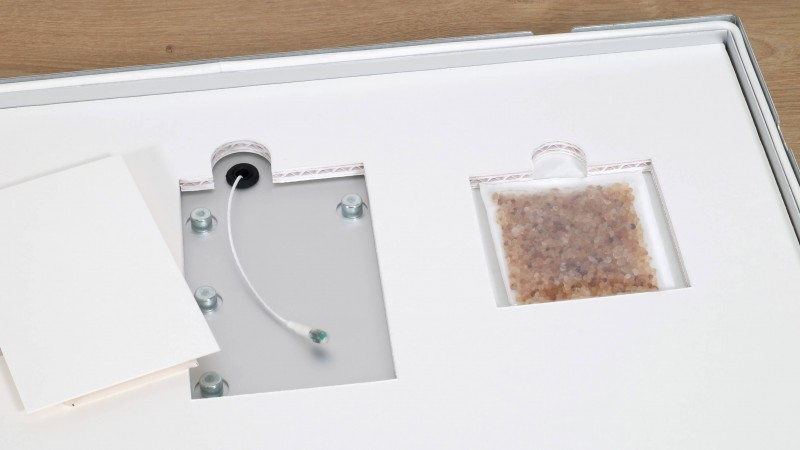 Zur Kontrolle der Luftfeuchtigkeit ist der Protect-Rahmen mit einem Thermohygrometer ausgestattet