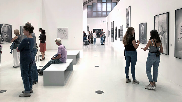 """Ausstellung """"Leben"""" von Walter Schels"""