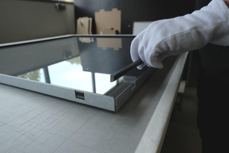 Trikorahmen öffen - Glasscheibe und Distanzleisten entnehmen