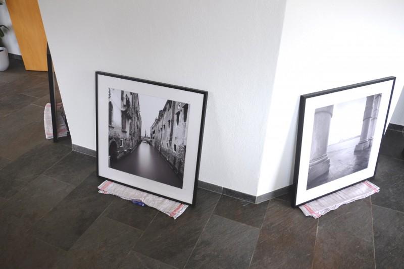 Vorbereitung für Aufhängung von Bilderreihen