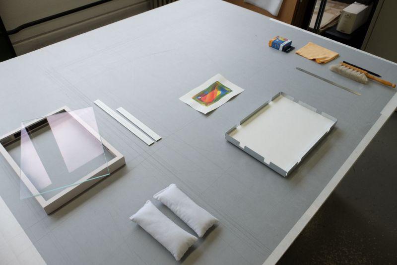 Vorbereitung - Frei montiert mit Herma Sticker im Distance Rahmen