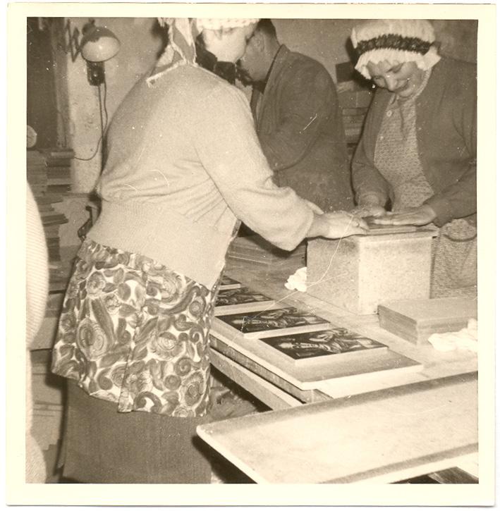 Erste Eerienproduktion von Bilderrahmen 1960